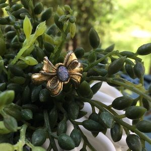 *Vintage Avon Goldtone Bow Ring with Opal Center
